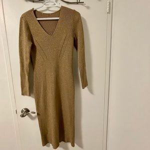 Michael Kors Metallic Gold V neck sweater(heavy)